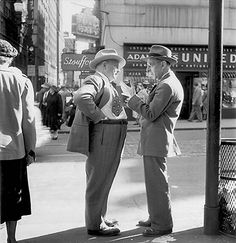 Photographer: Esther Bubley.  Date: June 1950.  Heading: Pittsburgh. Human Interest.  #: 169, P7054.  From the Collections of the Pennsylvania Department,  Carnegie Library of Pittsburgh.