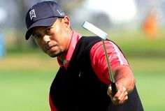 Tiger reclaims his #1 world ranking.