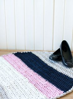 The Fast Way to Crochet a Rug