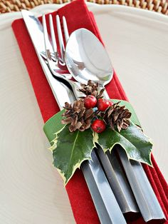 Cranberry and Holly Silverware Wrap, this is a pretty table setting