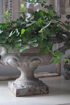 bjørn stiler, garden ornament, pretti urn, goddess garden