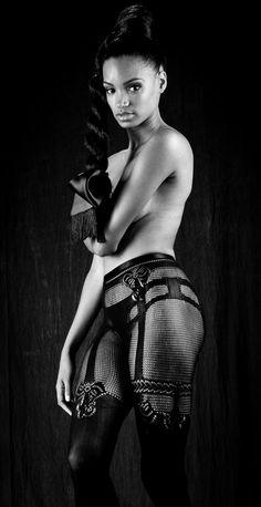 #lingerie #ericam #hosiery #autumntrends #legwear #bodywear #tights #pantyhose #sexy #undergarment #secondskin #Nadia #Shadow #Sensual #Beauty #Leg #Design