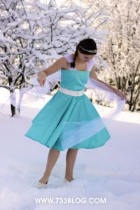 GORGEOUS! Who doesn't want to be Elsa for Halloween? Don't miss this Frozen-Inspired Princess Dress | AllFreeKidsCrafts.com