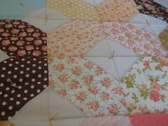 Tiffany diamond quilt tutorial...LOVE this quilt.  It's bold and fresh!