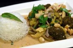 Thai Red Curry with Cashew Nuts for Thermal Cookware - slow cookers that also keep your food hotter (or colder) than anything else! - Thermal Cookware, Shuttle Chef, Shuttle, Chef, Thermal, Thermo, Recipes, Cooking, Thermal Cooking, Retained Heat, Vacuum Insulation, Pot, Eco, Thermos, www.ThermalCookware.com, www.ThermalCookware.com.au, Cookers, Slow Cookers, Slow Cooking, Thermos Thermal Cookers, Cookware, Rice Cooker