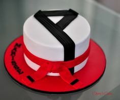 Tae Kwon Do Cake - Need inspiration  Visit http://www.budospace.com/category/tae-kwon-do/ for discount Tae Kwon Do supplies!