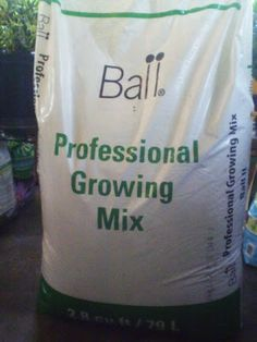 Ball Professional Growing Mix: Makes plants very happy! #Gardening #Potting_Soil