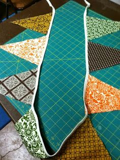 Reclaim-ologists and Other Crafty Chicks : How to make a fabric pendant banner