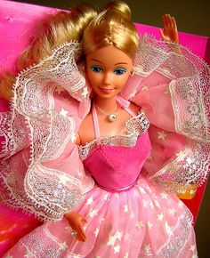 BACK TO THE 80'S - DREAM GLOW BARBIE - the stars on her dress glowed in the dark!