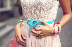 Bright knotted skinny belts.