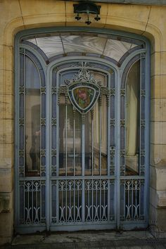 Puertas del mundo /