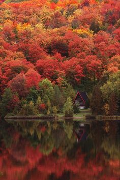 101 Most Magnificent Places Made by Nature or Touched by a Man Hand (part 3), Autumn Lake, Quebec, Canada