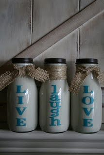 What a cute way to Paint Starbuck bottles!