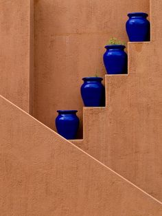 decor, blue pot, stair, idea, garden walls, colors, cobalt blue, indoor gardening, blues