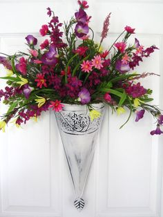 Floral Arrangements and Wreaths on Pinterest