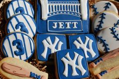 Yankees and cookies!? What more could a girl ask for?