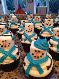 Snowmen cupcakes - done and done.