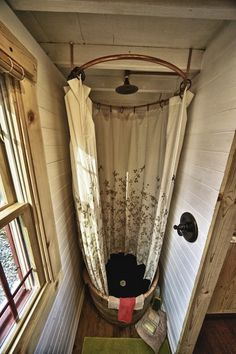 Tiny House. - love this shower