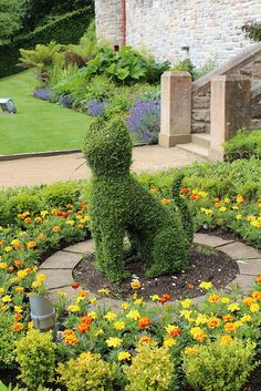 Cat Topiary, Belfast Castle Gardens. Not ceramic but I couldn't resist!