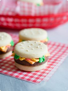 how to make stacked cheeseburger cookies ... so fun for a picnic or cookout dessert! - Bake@350 blog
