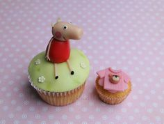 Un dulce cupcake para una fiesta Peppa Pig / A lovely cupcake for a Peppa Pig party