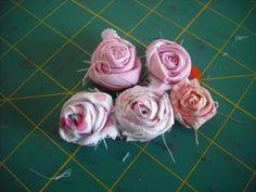 Pano pra Mangas: *Tutorial: rosas de tecido* *Tutorial: fabric roses