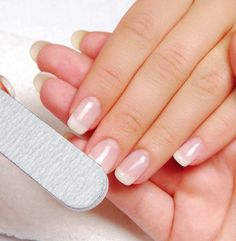 5 Easy Ways to Grow Strong GORGEOUS Nails!