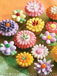 Spring Flowers Cupcakes by Karen Tack & Alan Richardson. Create your own table-top garden with Jelly Belly jelly beans a variety of Confections by Jelly Belly. #cupcakes #spring #easter #parties