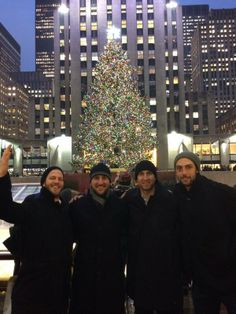 The Penguins - Christmas in the city