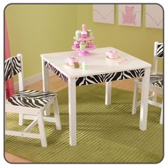 cute kid  table and chairs aw