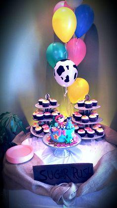 Sheriff Callie cake & cupcakes