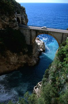 An insiders guide to driving in Italy from Lonely Planet