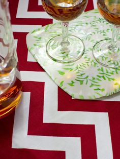 Make a Sweet Tray - Christmas Crafts for Kids on HGTV