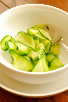 "How To Make Zucchini ""Noodles"""