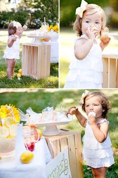 Lemonade Stand Photo Shoot ~ great idea!