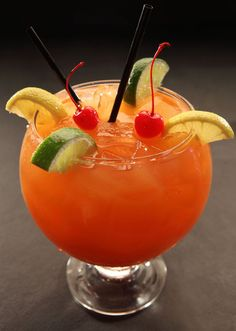 Cocktails on pinterest 16 pins for Fish bowls drinks