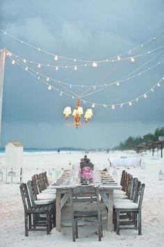 Une table au bord de mer......