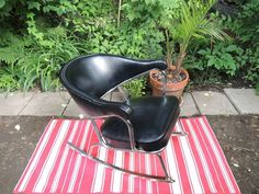 Buy or cry on pinterest teak commode vintage and retro for Chaise bercante kijiji