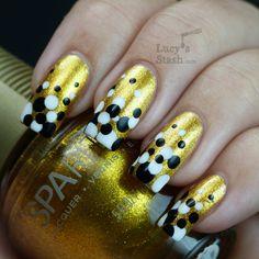 Lucy's Stash - Gold Gradient Dots manicure SpaRitual Aurum