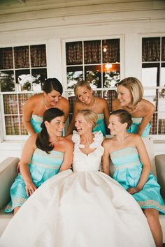 Love the bridesmaids dresses !!