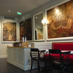 This Starbucks store is situated just off of Montmartre's bohemian Place du Tertre in Paris—the home of many early 20th century painters including Pablo Picasso and Maurice Utrillo.