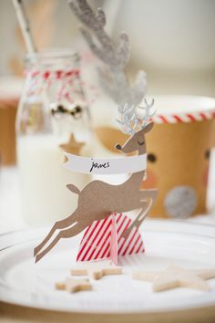 DIY Christmas party Reindeer place cards