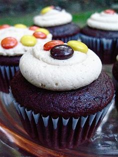 reeses pieces cupcakes :)