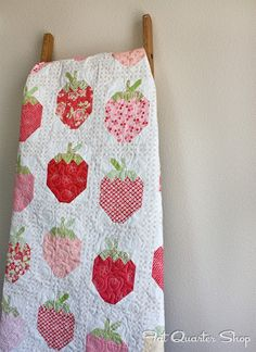 quarter shop, strawberri social, fresh quilt, jolli jabber, fat quarter, quilts strawberries, month august, august 2013, quilt pattern