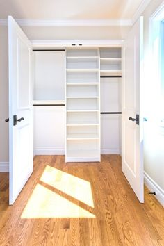 traditional small bedroom closet | Pichomez.com 2012 | Architecture | Home Design | Interior and Decorating Ideas