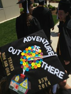 Creative mortar board decoration at Manchester University's graduation