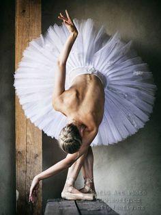 Zuzana Majvelderová, National Moravian-Silesian Ballet, Ostrava, Czech Republic - Photographer Tamara Černá