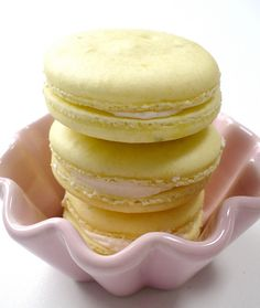 lime and coconut macarons by neviepiecakes, via Flickr