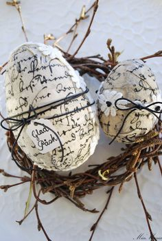 decoupage eggs...I love these!!