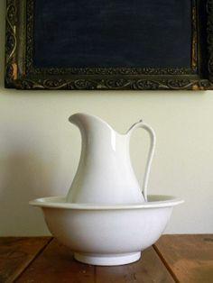 Farmhouse pitcher and basin